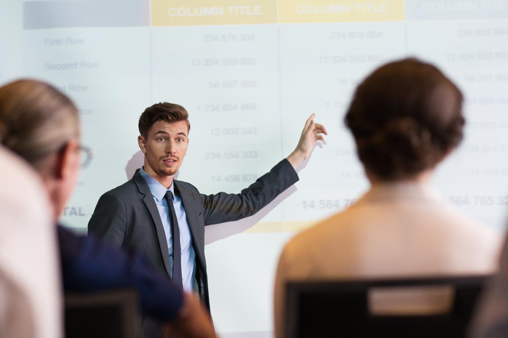 El trabajo de enseñar español a extranjeros.-El trabajo de enseñar español a extranjeros.-